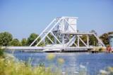 294732-pegasus-bridge-benouville-caen-la-mer-tourisme-les-conteurs-droits-reserves-office-de-tourisme-des-congres-1200px-127
